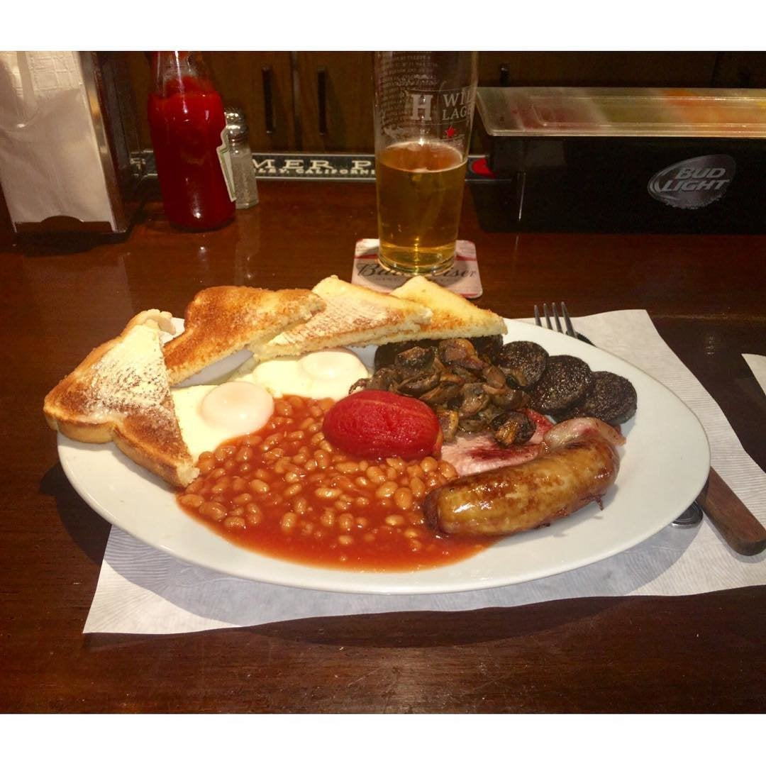 King Size Breakfast at the Cock 'n Bull British Pub
